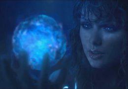 Taylor Swift и магический шар - живые обои